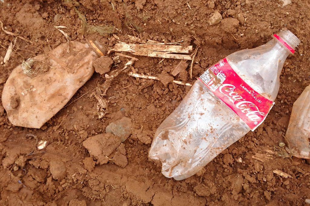 Coca-Cola-bottle, Single-use plastics